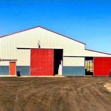 Breezeway Barn Stalls / Runs