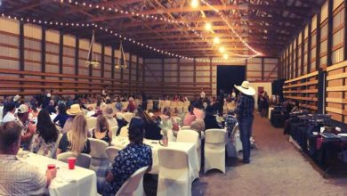 Wedding-inside-barn2.jpg
